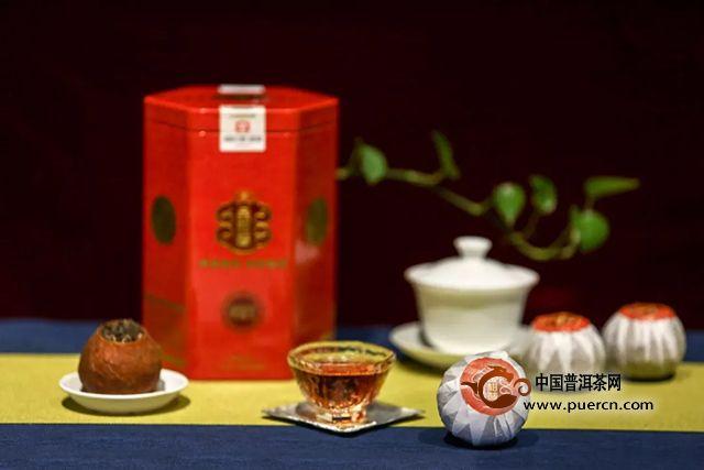 实操视频:大益茶道师手把手教你轻松撬开普洱茶