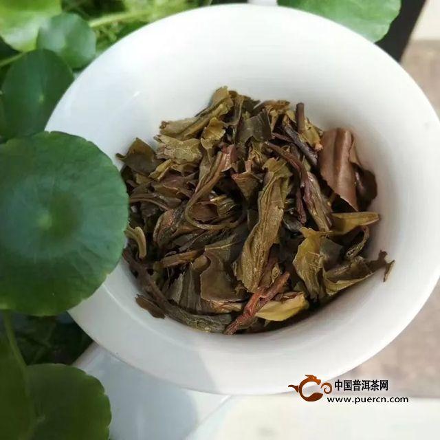 中茶岁月黄金普洱茶(生茶)