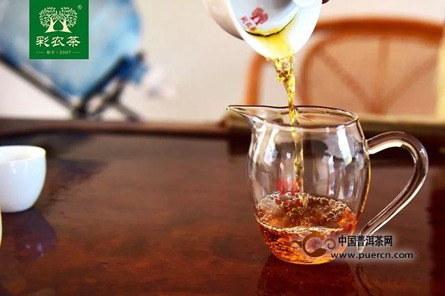 彩农易武晒红:一杯茶,寻梦易武国色天香