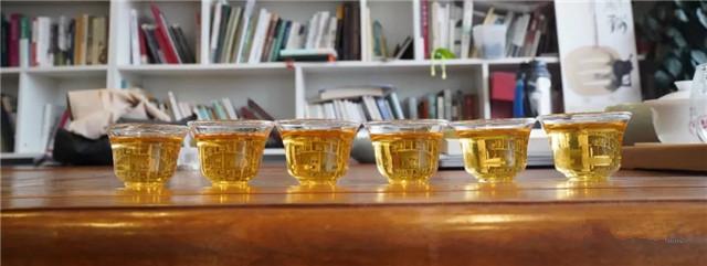六山贺开古茶庄园纪念饼:从一饼茶,一座庄园,体会六大茶山的坚守与匠心