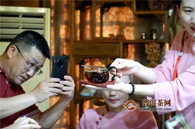 """品百年宋聘,致敬传世匠心 """"易武故事""""古董茶品鉴会"""