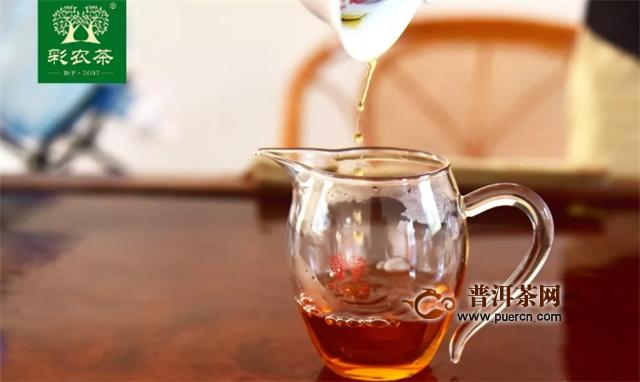 彩农茶易武晒红:一杯茶,寻梦易武国色天香